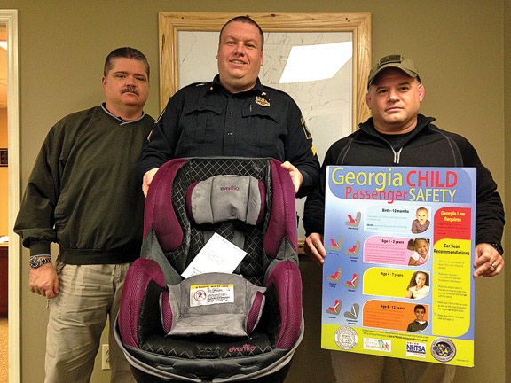 LaFayette Police Department And Safe Kids Walker County Team Up For Child Safety Car Seats Program