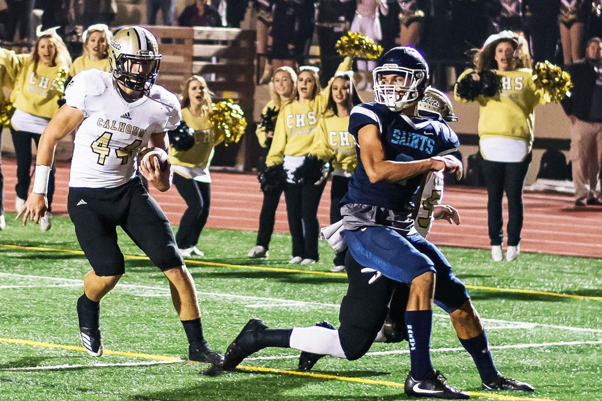 Prep Football: Jackets' defense, clutch plays lead way to Benz