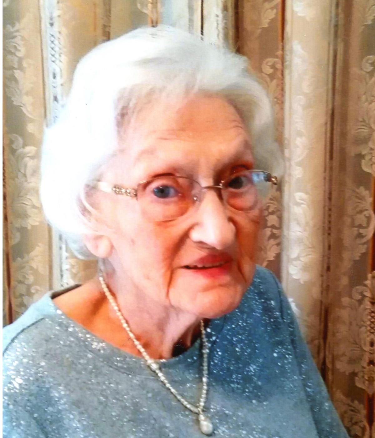 Nellie  Woodall