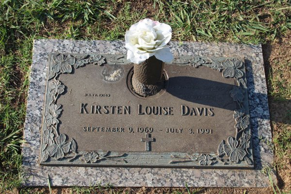 Kirsten Davis