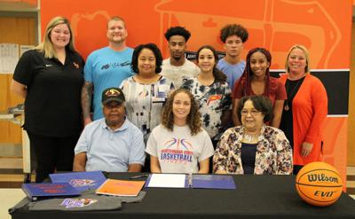 LaTyah Barber signs with Chattanooga State