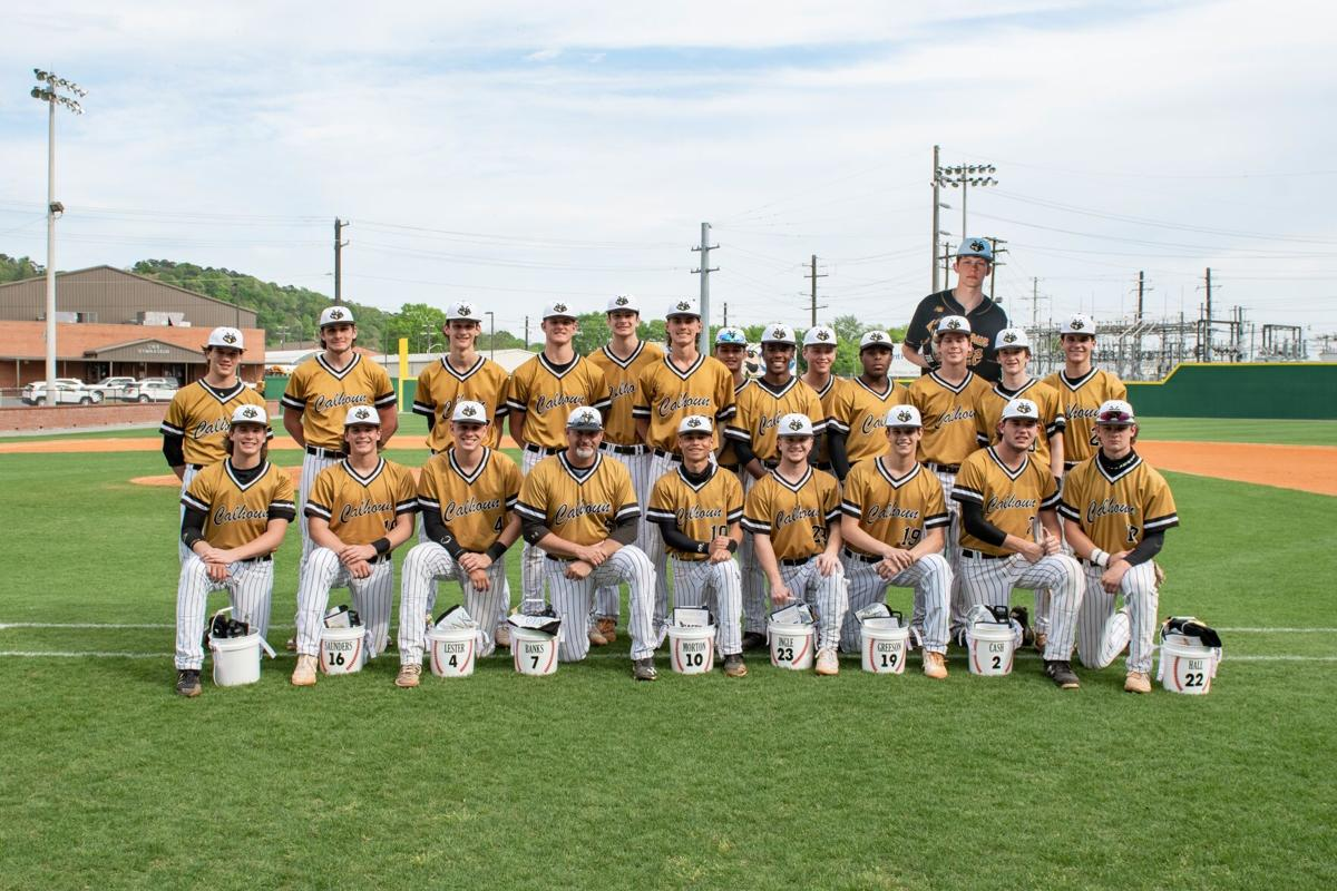 Jackets' seniors step up for thrilling Senior Day victory