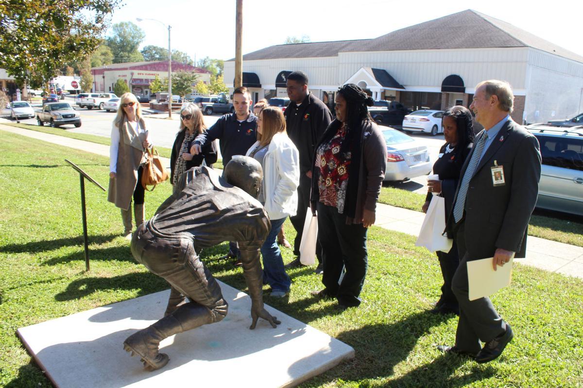 Main Street directors visit Cedartown
