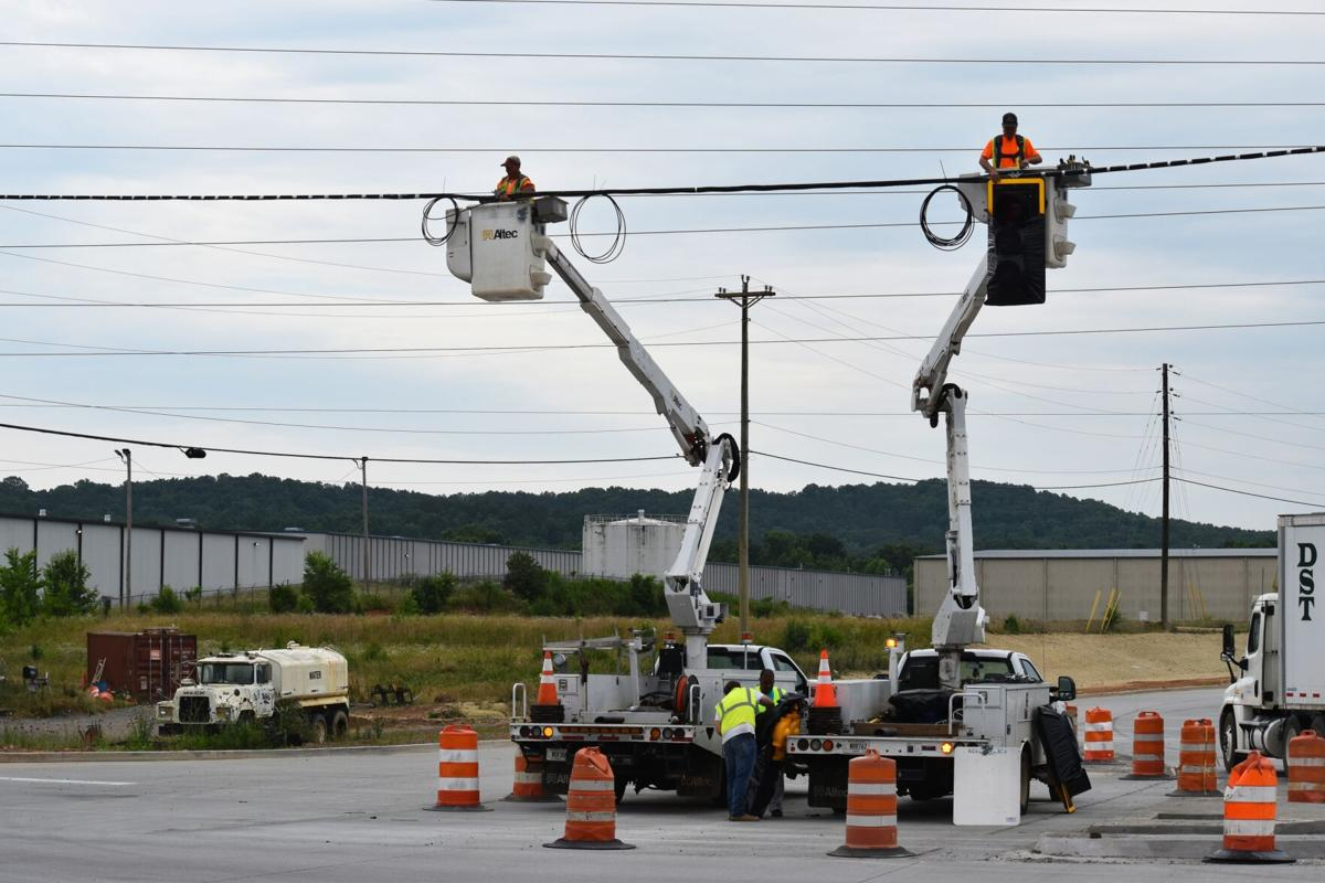 Traffic light goes up in front of Buc-ee's location