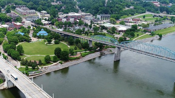 Drone's-eye view of Coolidge Park