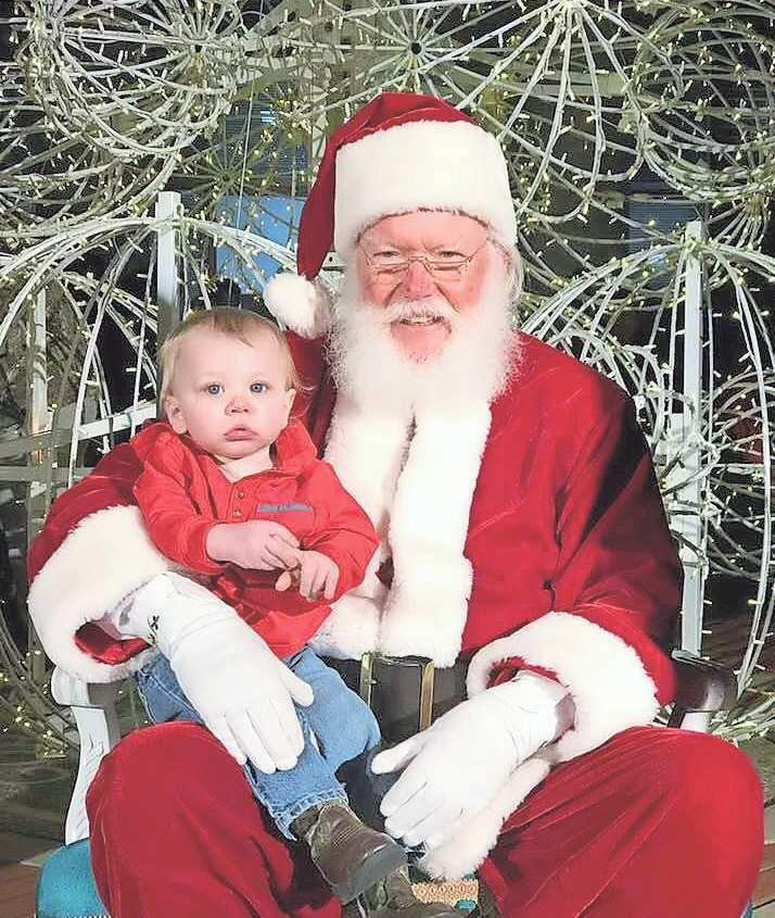 Holiday season kicks off during annual Christmas Open House festivities