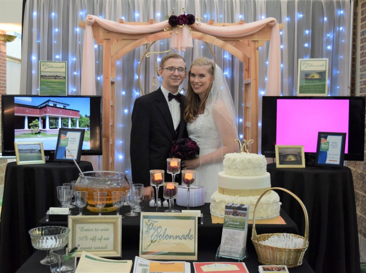Colonnade wedding booth at 2019 business expo