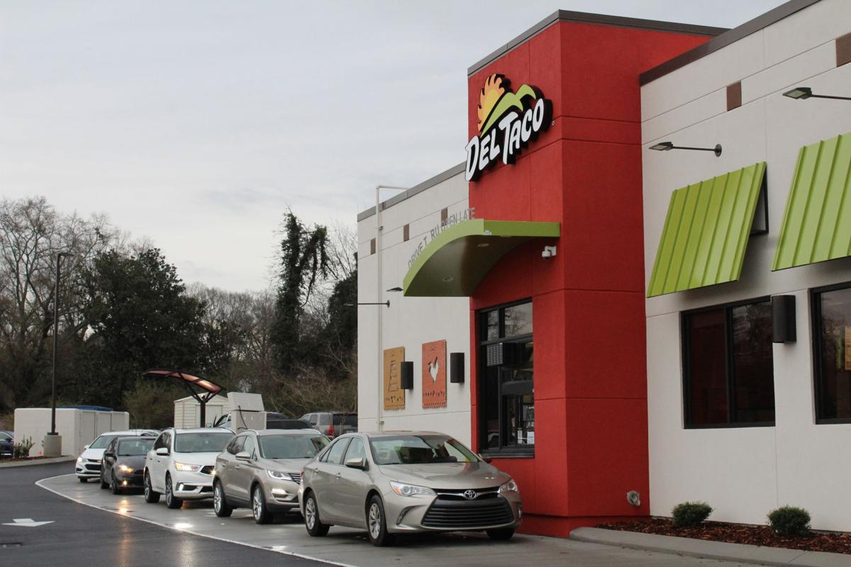Del Taco Brimming With Customers On Opening Day The Calhoun Times