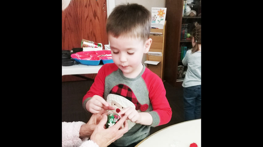 Local library offers festive holiday craft fun