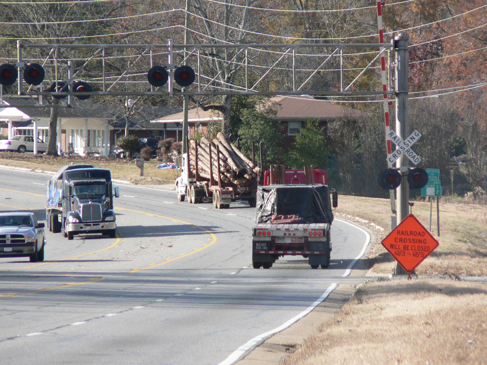 Parts of Alabama Highway closed for railroad work today
