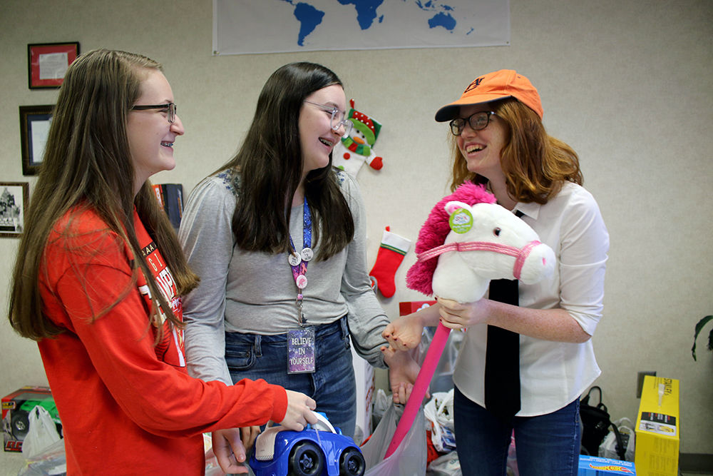 Rome Middle School collects Toys for Tots