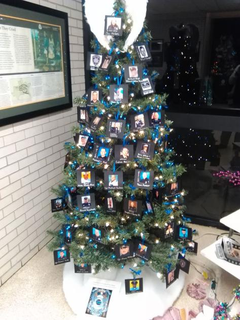 Cedartown police department christmas tree honors fallen for Polk fish wrap