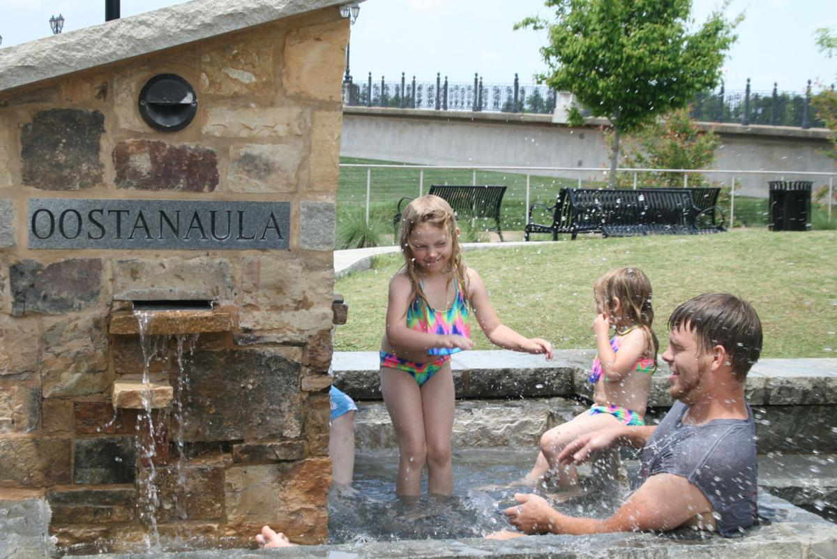 Fun at the fountain: Rain in the forecast for the rest of the week