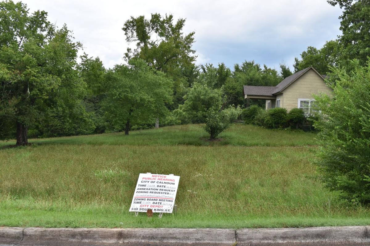 City approves annexation, rezoning requests