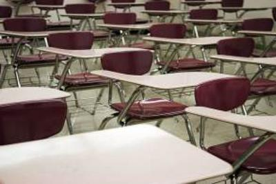 Línea Caliente: Piden a secretaria de Educación que no cierre escuela de Arecibo