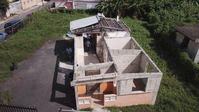 Las residencias de las personas que van a desalojar fueron afectadas por el huracán.