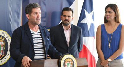 Edgar Martinez con el gobernador
