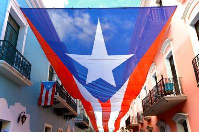 Bandera de Puerto Rico - Fortaleza - noviembre 19 2019 - Foto via Directora Turismo