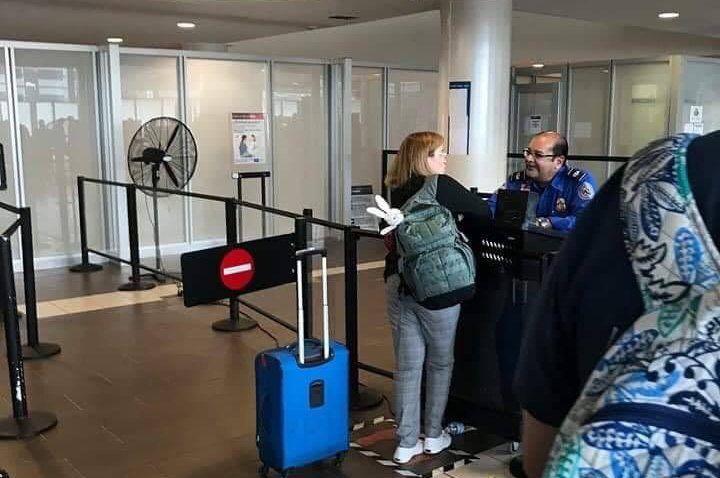 Carmen Yulin - aeropuerto - Foto via Facebook - 2 - julio 16 2019