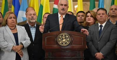 Thomas Rivera Schatz - Jenniffer Gonzalez - legisladores - conferencia de prensa - Capitolio - Foto suministrada - agosto 12 2019