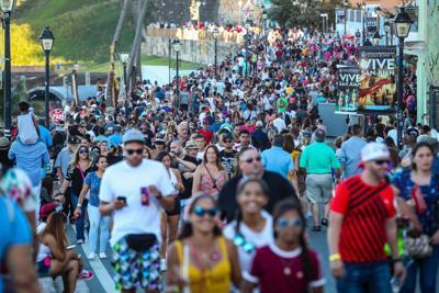 Calle San Sebastian - fiesta - publico - Foto suministrada - enero 21 2019