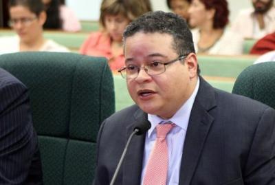 Revalida Víctor Ramos como presidente del Colegio de Médicos