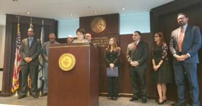 VIDEO: Federales acusan a 11 personas de fraude al Seguro Social y de mentirle a FEMA