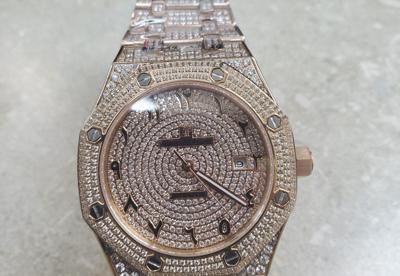 Federales - reloj falsificado - Foto via Cybernews - julio 10 2020