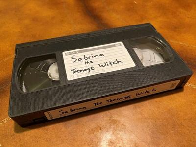 VHS - Sabrina and the Teenage Witch - Foto via Twitter - abril 26 2021