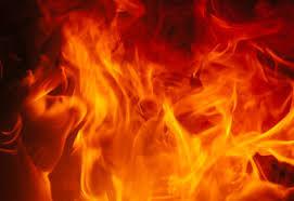 El incendio afectó una fábrica de plásticos. Hay pérdidas humanas.