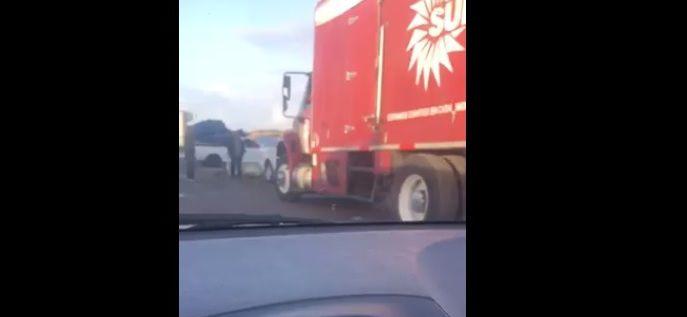 Video - varados camiones con carga - Captura de pantalla - marzo 5 2019