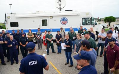 EPA empleados y camión