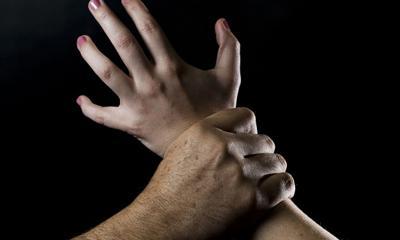 Buscan a individuo por agredir sexualmente a familiares menores de edad