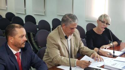 Carlos Acevedo - Mayra Lopez Mulero - testimonio confidencial ante comision que investiga hallazgo de almacen Ponce - Foto NotiUno - febrero 12 2020