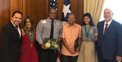 Capitolio -honran a maratonista de 91 años - Foto suministrada - febrero 8 2019