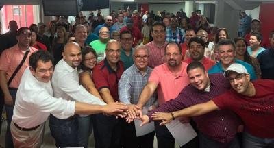 Gobernador firma proyecto que denomina al Centro Comprensivo de Cáncer con el nombre de Héctor Ferrer