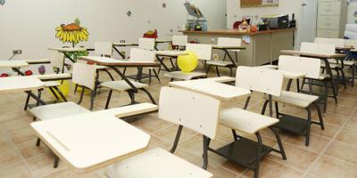 Con revolú con maestros inicia el nuevo semestre escolar