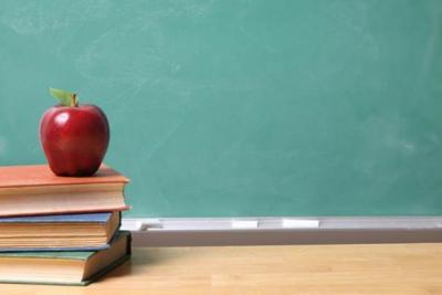 Línea Caliente: Sin cobrar maestros del Departamento de Educación