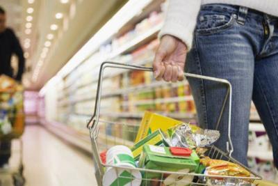 Sin alimentos de primera necesidad los supermercados