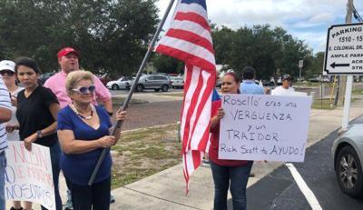 Llaman traidor a Rosselló en medio de protesta en Orlando