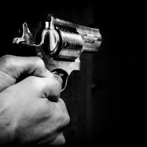 Asesinan hombre y una menor tras intensa balacera en Country Club