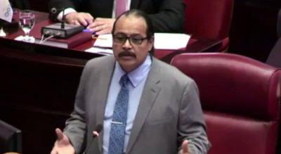 Senador independiente busca enmendar ley de menores