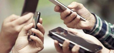 Pueblo rechaza nuevo impuesto a factura de celulares pa' pagar retiro a policías