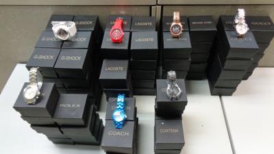 Relojes pirateados - confiscados por los federales - Foto suministrada - julio 22 2020