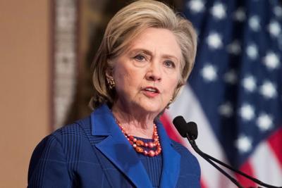 Hillary Clinton afirma que EE.UU. pasa por una verdadera crisis de democracia