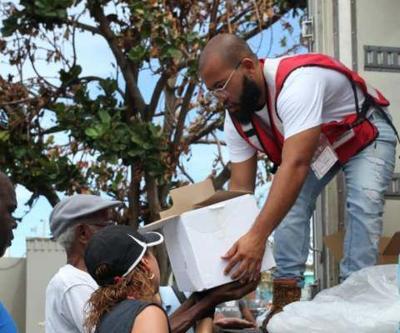 Cruz Roja - alimentos - distribucion - Foto Twitter - enero 15 2020