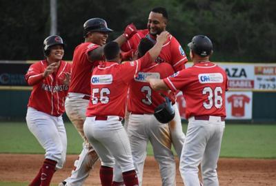 Beisbol - Doble A - Coamo - celebracion - Foto suministrada - septiembre 9 2019