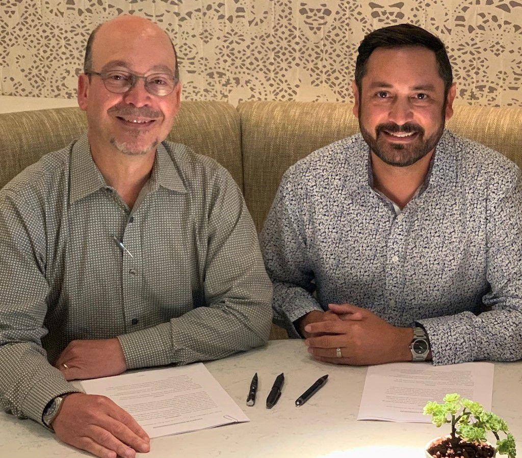 Uno Radio Group forma contrato con Rony Campos 2