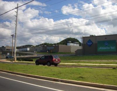 Preocupación entre alcaldes por impacto económico por cierres de Sam's en Puerto Rico
