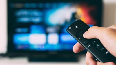 Television - control remoto - streaming - enero 11 2021